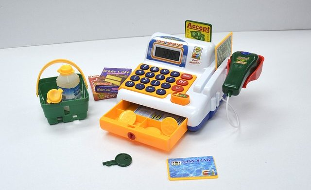 toy-cash-register-942365_640